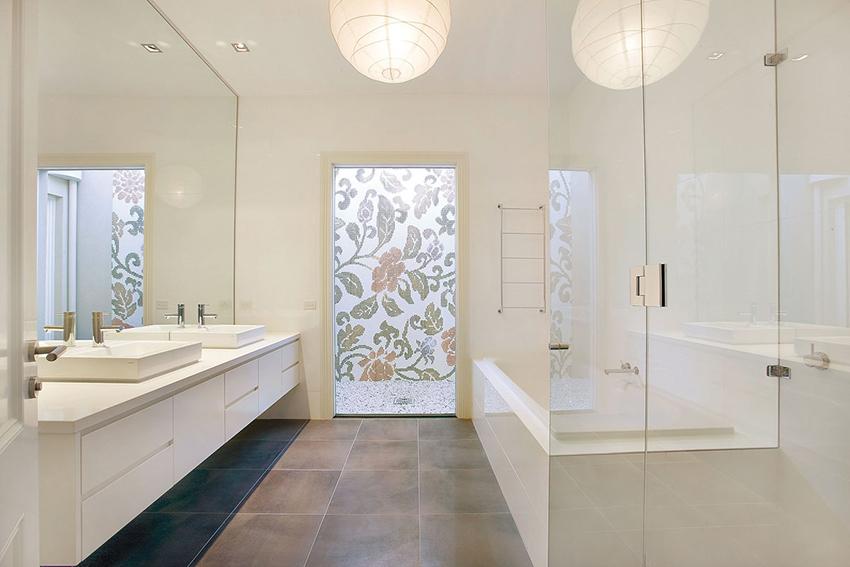 шторка для ванной комнаты из стекла декор
