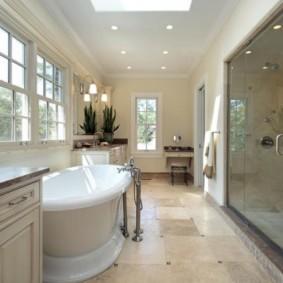 шторка для ванной комнаты из стекла обзор идеи