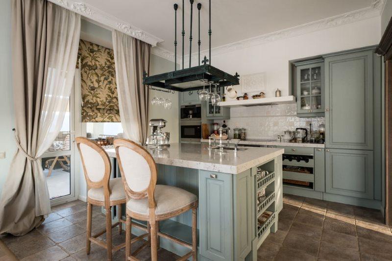 Шторы в интерьере кухни в итальянском стиле