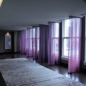 шторы в прихожей в частном доме