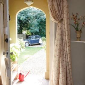 шторы в прихожей в частном доме дизайн идеи