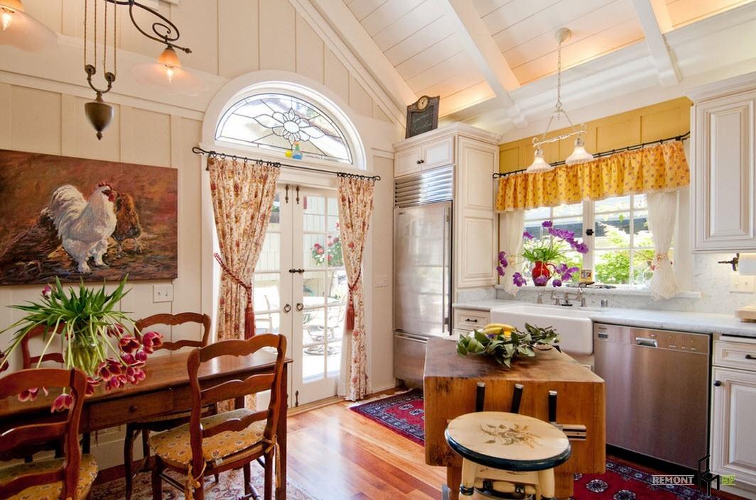 шторы в прихожей в частном доме фото оформления