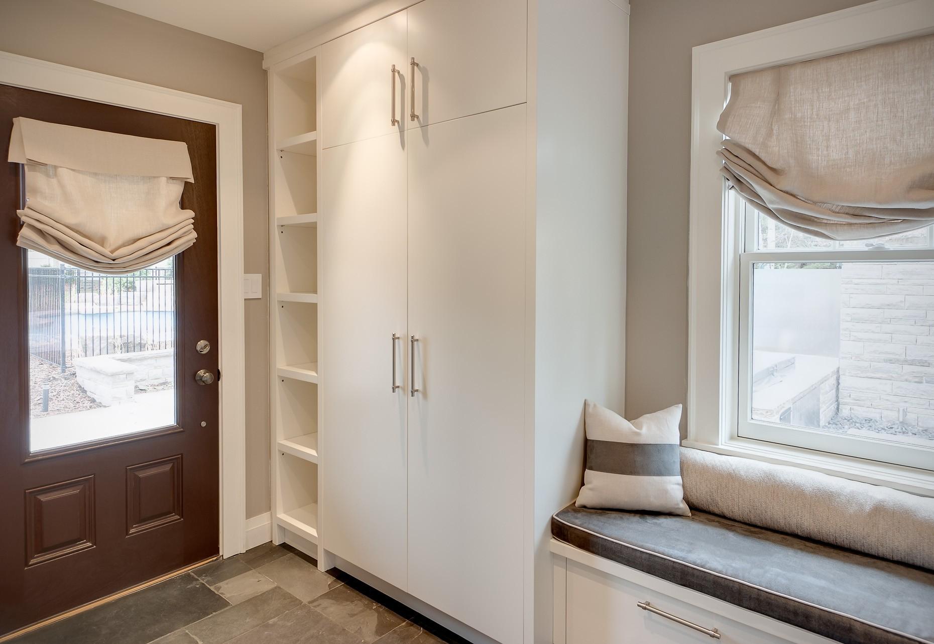 шторы в прихожей в частном доме идеи дизайн
