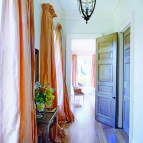 шторы в прихожей в частном доме оформление идеи