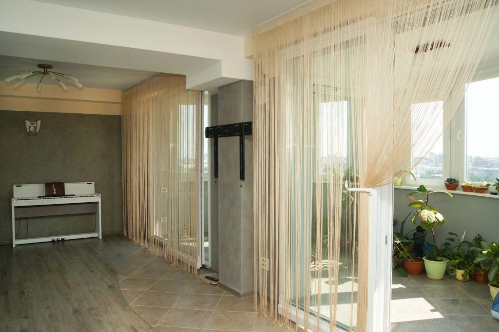 шторы в прихожей в частном доме декор фото