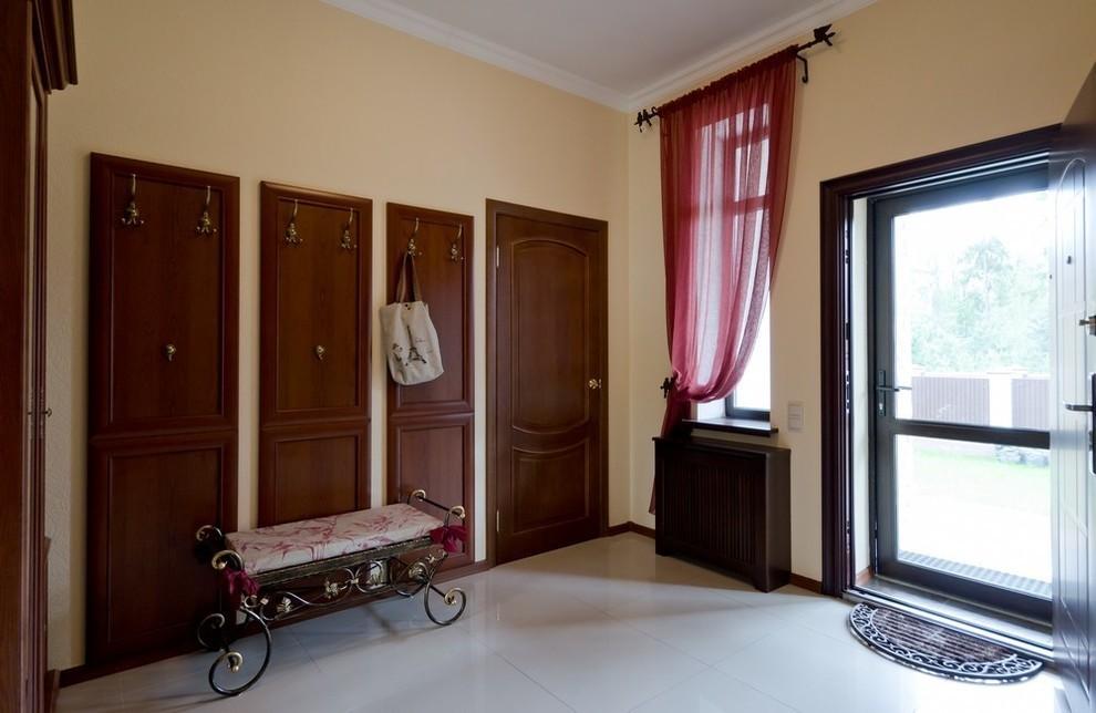 шторы в прихожей в частном доме фото дизайна