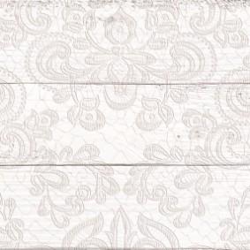 Узкая плитка с имитацией состаренной поверхности