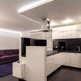 Светодиодное освещение современной кухни-гостиной