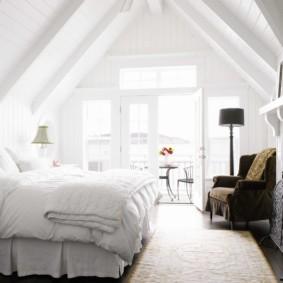 спальня на мансарде варианты