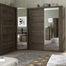 спальня с угловым шкафом купе идеи дизайн