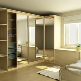 спальня с угловым шкафом купе с зеркалами