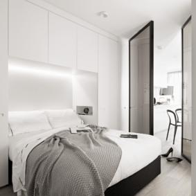 шкафы над кроватью в спальне фото