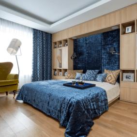 шкафы над кроватью в спальне фото дизайна