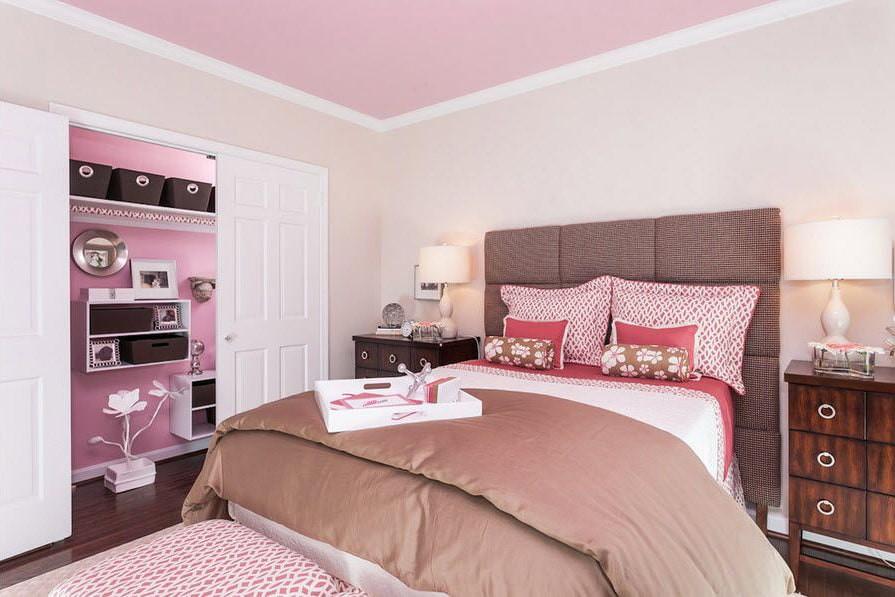 спальня в коричневых тонах фото декор