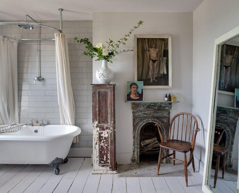 Старые вещи в интерьере ванной стиля шебби шик