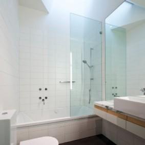 раздвижные шторки для ванной идеи