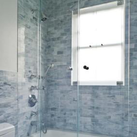 раздвижные шторки для ванной интерьер фото