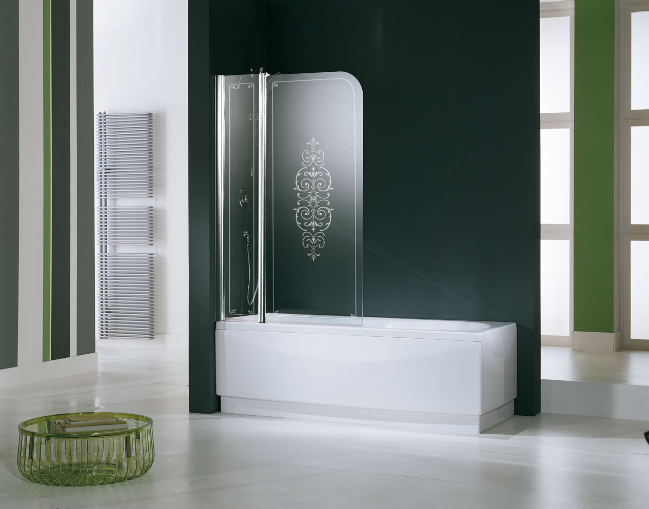 стеклянная шторка для ванной бескаркасная