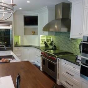 телевизор на кухне идеи