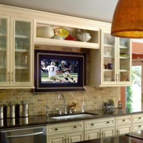телевизор на кухне варианты фото