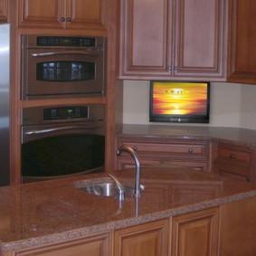 телевизор на кухне виды фото