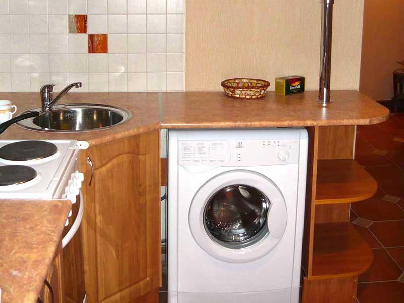 Угловой гарнитур с нишей для стиральной машины