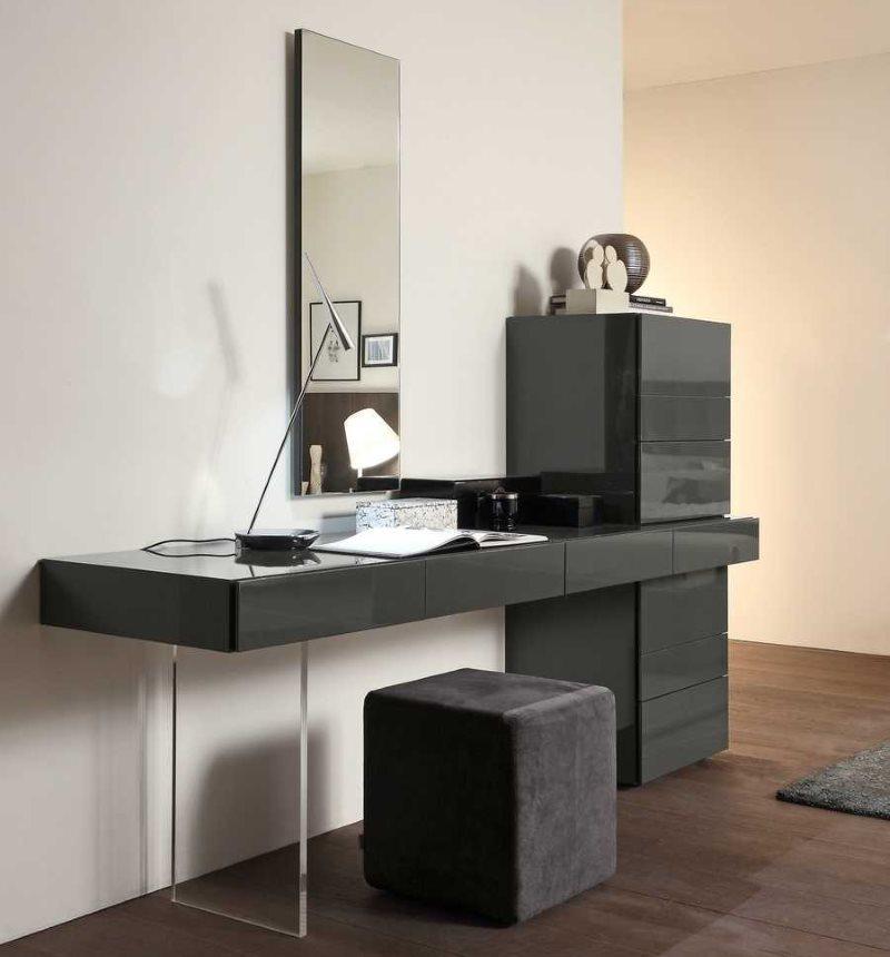Туалетный столик с черными поверхностями для спальни в стиле модерн