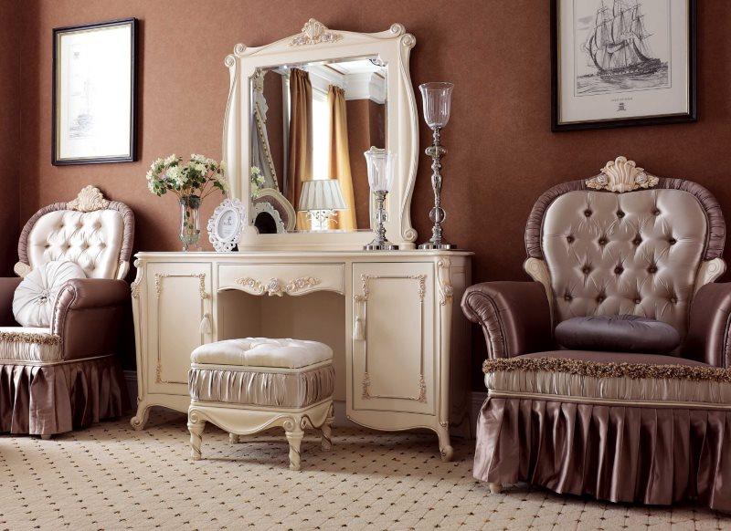 Красивый туалетный столик в спальне классического стиля
