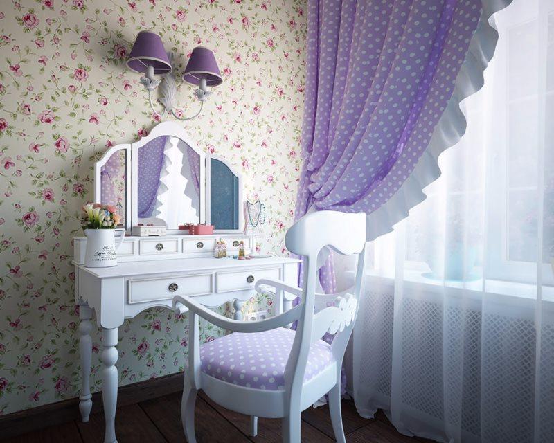 Белый столик в деревенском стиле для женской спальни