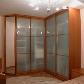 угловой шкаф купе в спальню фото дизайн
