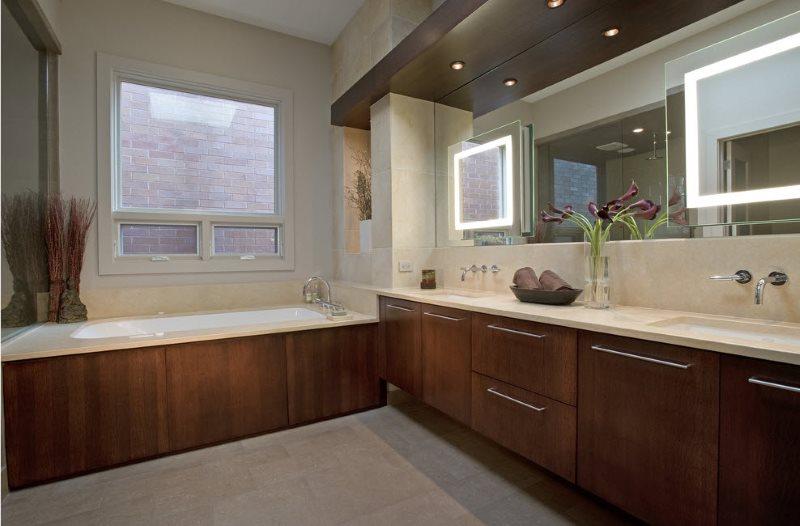Зеркала с внутренней подсветкой в дизайне ванной