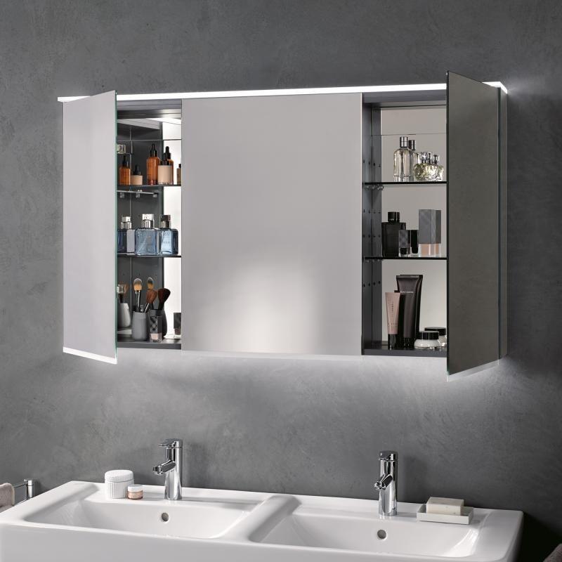 зеркальный шкаф с матовым стеклом