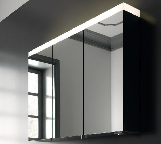 зеркальный шкаф в ванной комнате с подсветкой
