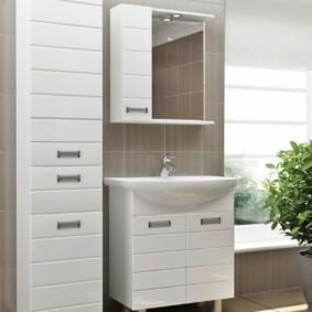 зеркальный шкаф в ванную декор фото