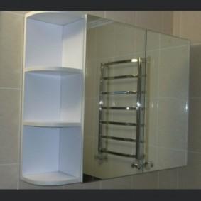 зеркальный шкаф в ванную фото интерьер