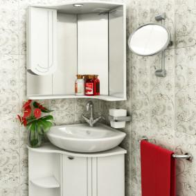 зеркальный шкаф в ванную оформление