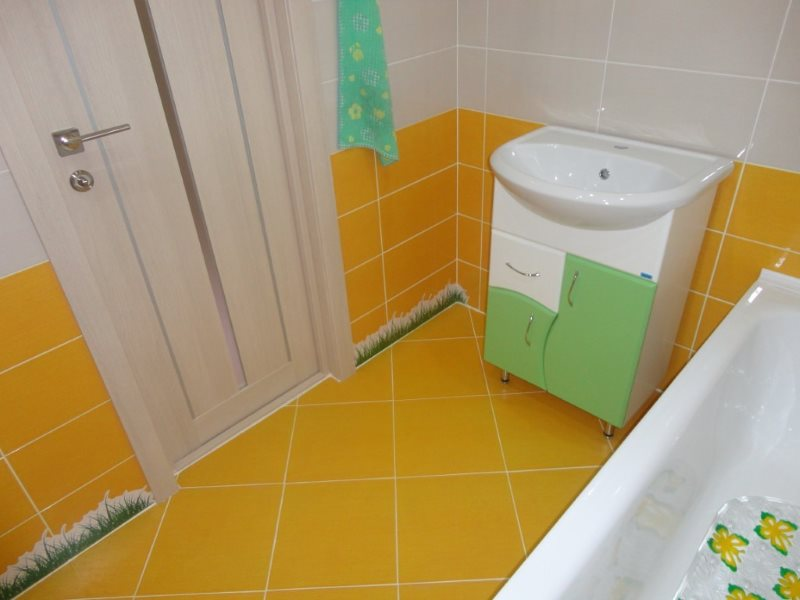 Напольная плитка желтого цвета