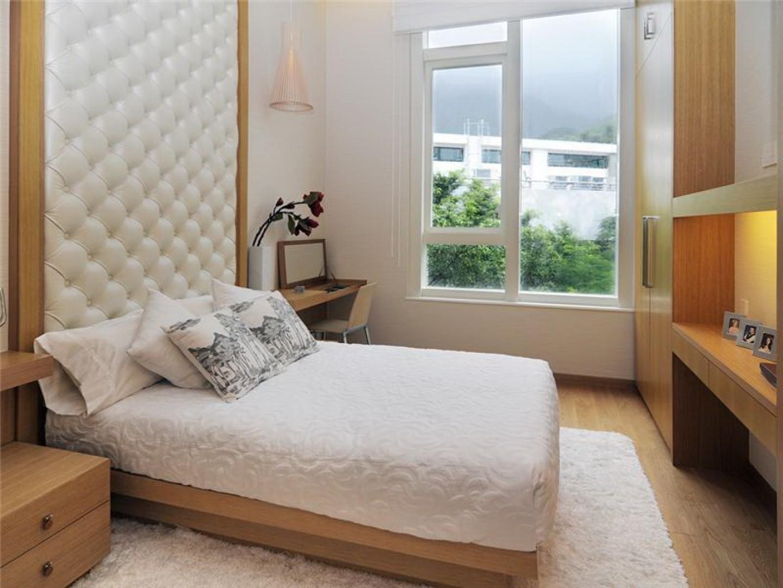 спальня 10 кв м в светлых тонах