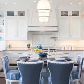 дизайн кухни столовой светлый