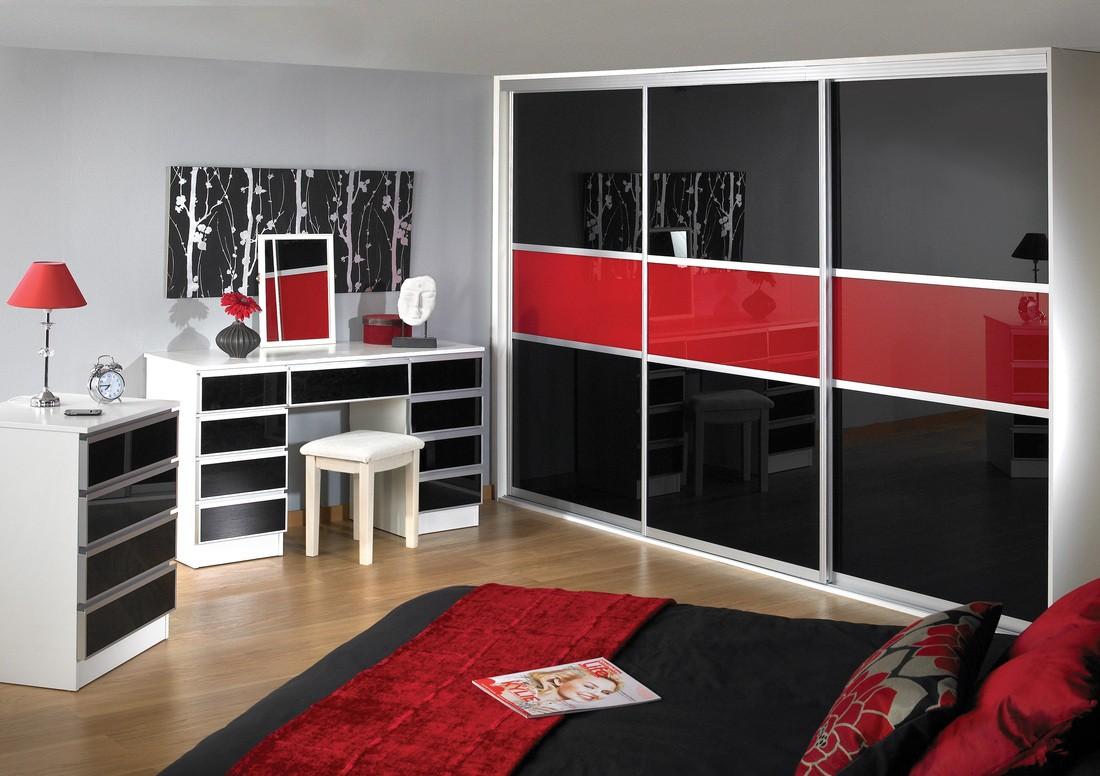 встроенный шкаф купе в спальне черно красный