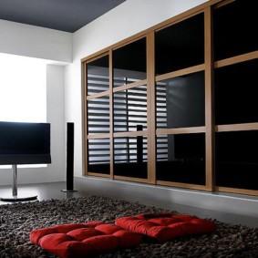 встроенный шкаф купе в спальне черный