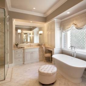 зеркало в ванную классика