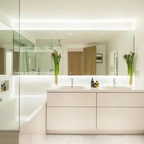 зеркало в ванную минимализм