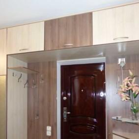 антресоли в коридоре фото интерьер