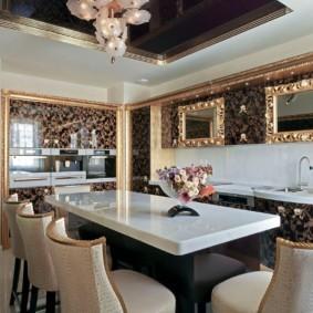 Натяжной потолок черного цвета в кухне арт деко