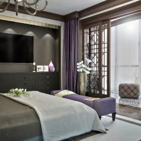 Фиолетовые шторы в спальной комнате стиля арт деко