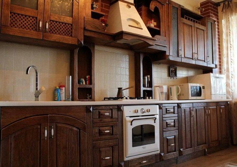 Ретро-плита в гарнитуре под старину