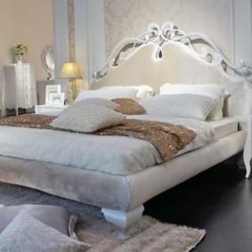 белая спальня идеи декор