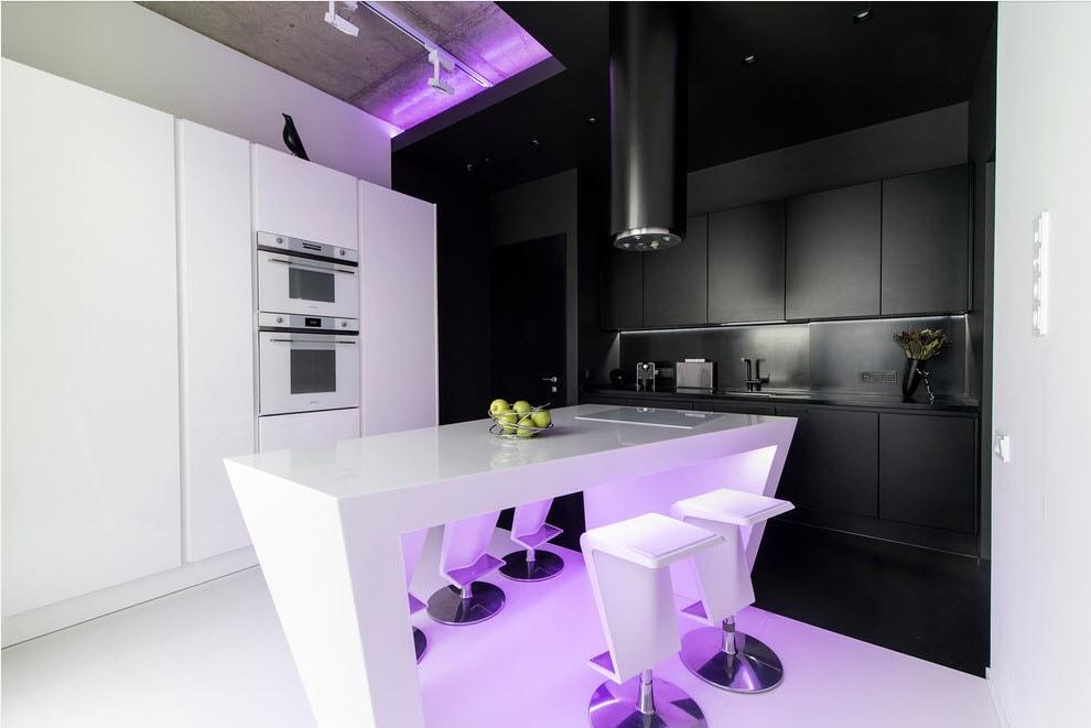 Черно-белая мебель в кухне стиля хай-тек