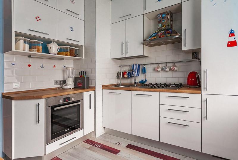 Угловая кухня с гарнитуром в современном стиле